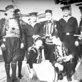 С каторскими жителями (Фото В. Зинченко)